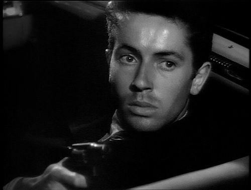 Farley Granger & gun in THEY LIVE BY NIGHT