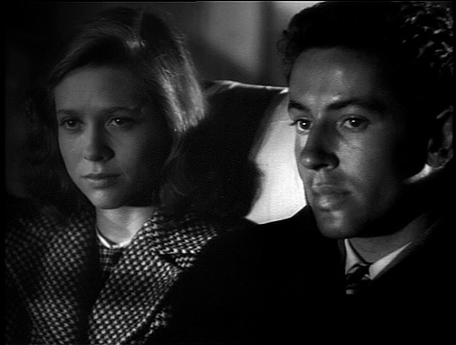 Granger & O'Donnell in THEY LIVE BY NIGHT